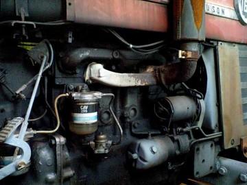 エンジンまわり。3〜4年前、農協に展示してあったそうですが、その農協も今はないそうです。