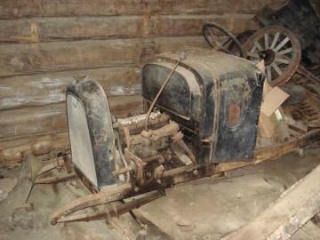 1920年製フィアット。これはトラクターじゃなくて車ですね、きっと。