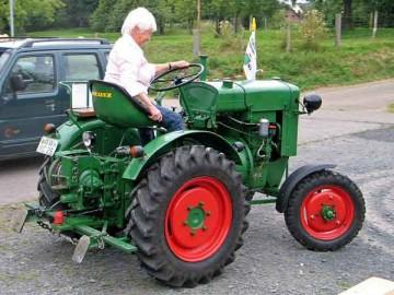 1949年製のドイツトラクターだそうです