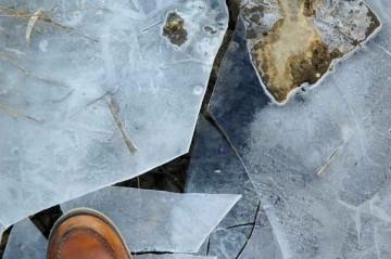 結構厚い氷