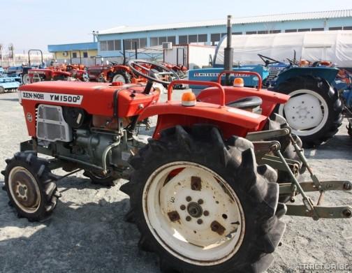 ヤンマー「ZEN-NOH」トラクター ネットではたくさん見つけることができます。ヤンマーZEN-NOHは濃い赤に塗リ直され、きれいに整備されて売られていたようです。