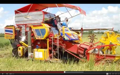 米作りの農業機械 セルフビルドコンバイン