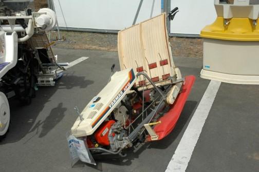 ヤンマー田植機 2条植えなんでしょうか?AP-10 平成2年式 価格¥50000