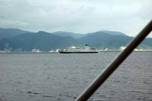 4時間くらいの時間のうちに味方の船に2回すれ違った。ほんとうにどんどこどんどこ行き来しているんだ。