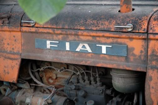 というわけで君はfiat415です。エンジンフートのピン、コマツインターナショナル232とはまた違ってスマートでカッコいいです。