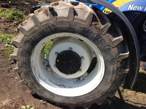最近見ないけど、単車のタイヤでなじみのあったテレルボルグ。トラクターのタイヤも作っていたのか!そりゃあそうです。単車のタイヤだけで食っていけるわけないですもん。