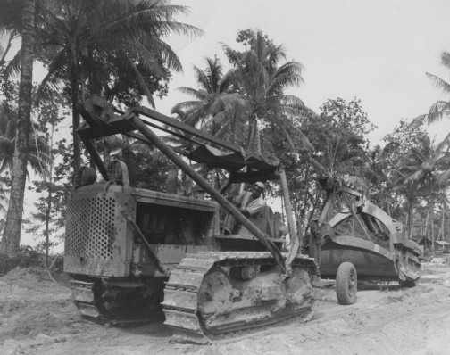 こちらは南方なのでしょうね。1943年、インターナショナルTD-18と思われます。