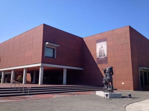 山梨県立美術館 ミレーの絵をたくさん集めている美術館らしいんです