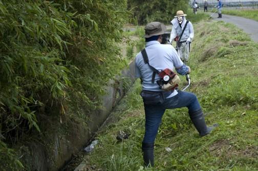 通常の水路の草刈などに加え・・・