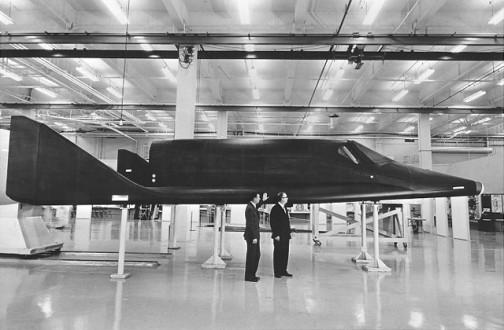 Boeing X-20 Dyna-Soar 1957年から始まったプログラム よく見るとちょっとスペースシャトルをスリムにしたようなフォルム。