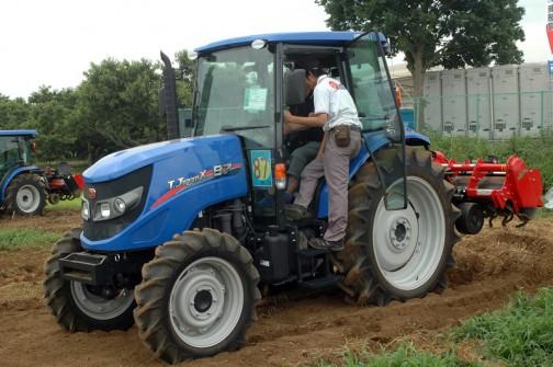 イセキトラクター(ISEKI Tractor)TJX87 水冷4サイクル3気筒ディーゼル 3300cc 87馬力