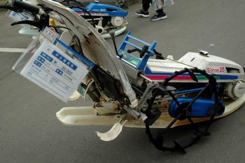 イセキ歩行式田植機 PS-25 こちらも早苗ちゃん 中古価格は¥98,000