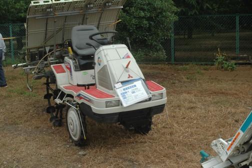 三菱5条植え乗用田植機 MPR-505 購入初年度平成11年 中古価格は¥370,000