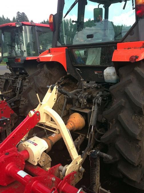 クボタMZ655 こちらも日農工のカプラーっぽい色・・・みんなこれならアタッチメントをとっかえひっかえできますね。