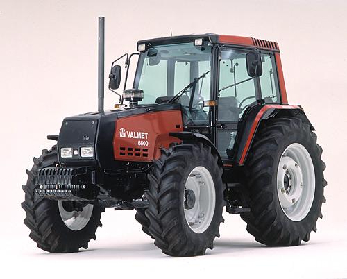 シュタイアー - ダイムラー との提携によって生まれたヴァルメット6000 1993-1996 4気筒4.4リッター75馬力