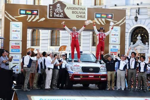 結果はあまり気にしていなかったけれど、ゼッケン345三橋選手のランドクルーザーは総合21位、市販車無改造クラス優勝! 二年連続で悔しい思いをしていたでしょうから、本当によかったなあ・・・と思います。