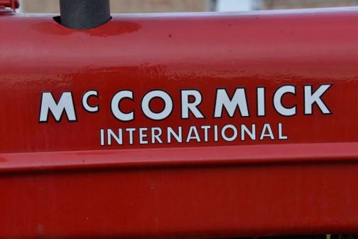 実機のロゴです。マコーミックとインターナショナルの組み合せ