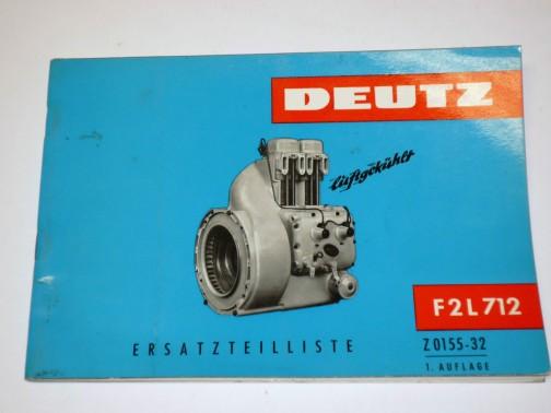ぬめっとした、かたつむりみたいなエンジン・・・ハーレーみたいなOHVなのでしょうか? プッシュロッドのガイドらしきものが見えます。ワーゲンビートルのエンジンもこんな感じでした。