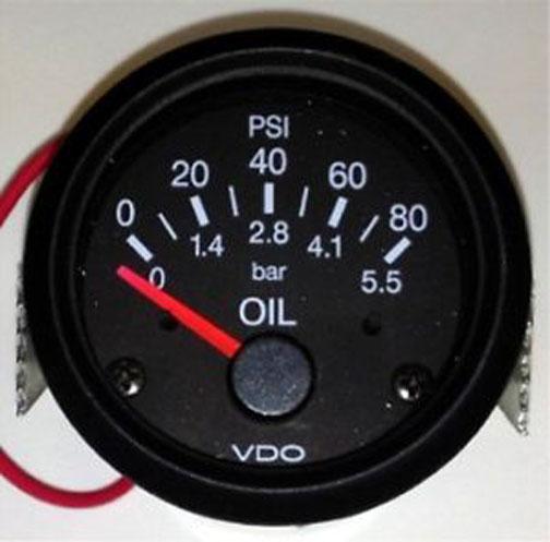 このメーカーはBMWの計器とかで今も見ることがあります。メーカーの名前だったんだ!