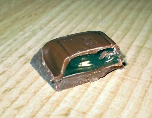 サルミアッキゼリー入りチョコレート