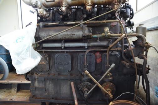水戸市大場町島地区排水機場にある、もう使用されていない1964年製55馬力クボタ4気筒ディーゼルエンジン