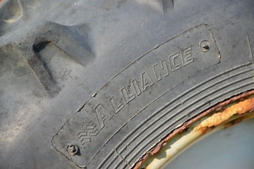 タイヤはイスラエル生まれのAlliance Tire