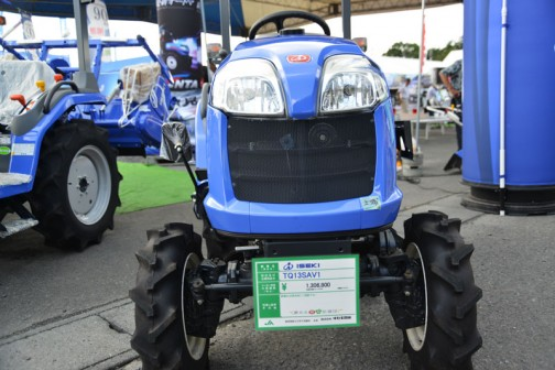 ヰセキトラQ TQ13SAV1 水冷4サイクル3気筒ディーゼルエンジン 1123cc 13.5馬力 価格¥1,306,800 税抜き価格¥1,210,000 消費税¥96,800