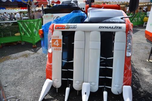クボタコンバインエアロスターダイナライト KUBOTA COMBINE DYNALITE ER438 水冷4サイクル3気筒立形ディーゼル 1826cc 価格 ER438DXW2-S50C ¥5,508,000 ER438DXMW2-S50C ¥5,940,000 ★4条刈り 38馬力