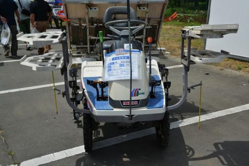 見慣れた感じのイセキ田植機 PM43-CUSW 中古価格¥300,000