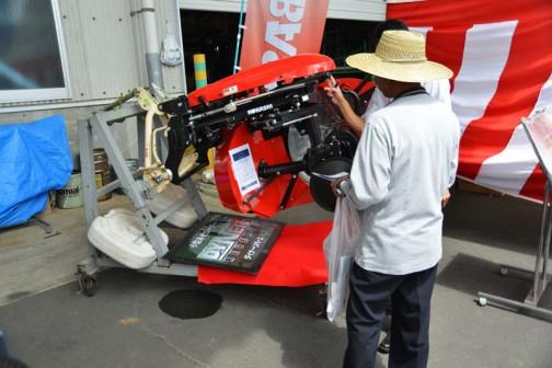 コバシ アゼローター「ダイナリバース」RS751CT-0S 価格¥734,400 16〜30PS 角まで塗れるリバースタイプ/8面段付き偏芯ドラム 手動オフセット/前進作業時オフセット量を2段階に調節可能 ドラム径75cm
