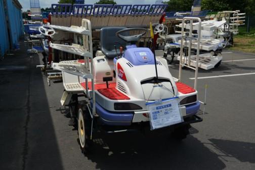 三菱もこの一台だけ 三菱田植機 LV6 補助車輪付き 使用時間588時間 中古価格¥300,000