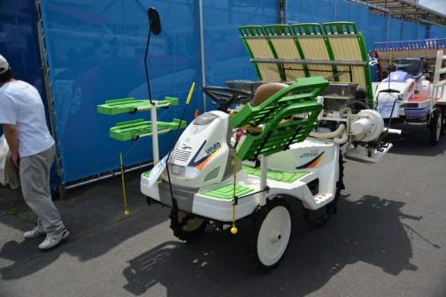 ヤンマー田植機 VP40PWU 購入初年度H20年 施肥機 後付け2年使用 中古価格¥730,000