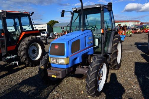 iseki tractor TR55 なかなかスマートでかっこいいイセキTR55