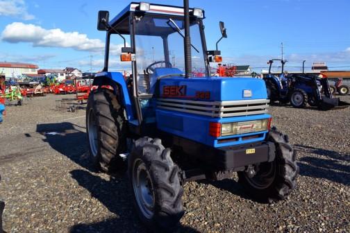 ISEKI Tractor T825