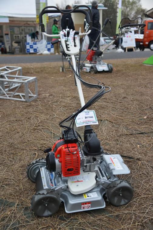 やまびこ 畦草刈機 AZ851 価格¥267,840  79.1cc 排ガス規制対応4サイクルエンジン 刈幅500mm 話題の混合4サイクル!