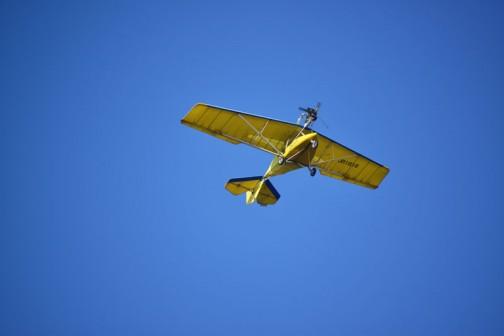 風もなく、穏やかでウルトラライトプレーンも気持よさそうに飛んでいます。