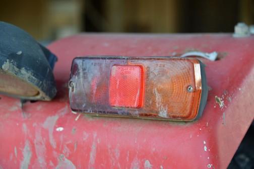 テールのコンビネーションランプはCOBO社製