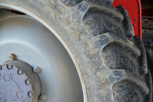 タイヤはKLEBER 初めて見た!