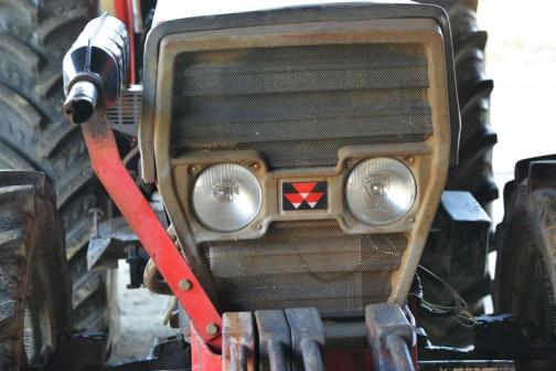 Massey Ferguson MF374H マッセイファーガソンMF374H