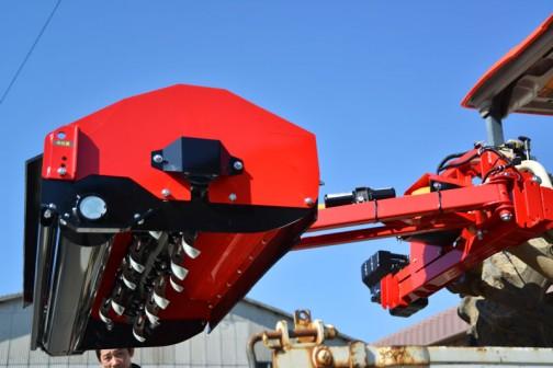 島地区にはこれが使えるトラクターが3台あるそうです。