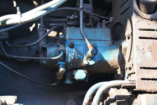 CAV社の噴射ポンプ・・・4気筒なのかなあ・・・