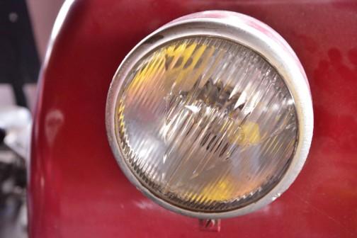 フェンダーの上のライトはHELLA製