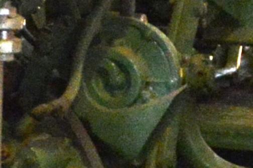 と、さんざん引っぱっておいて、表の写真を拡大してみたらどちらかというとカタツムリ型なのでした。今仙電機のホーンは単純にみんなナイトホーンなんだなあ。