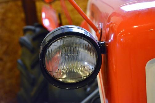 くろがねトラクター  1962年(昭和37) 東急くろがね工業㈱製 (日本) KBT型 11馬力