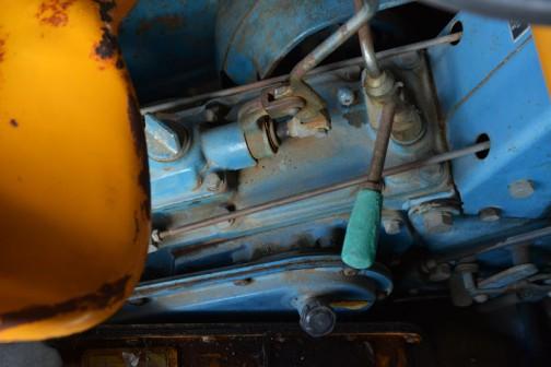 機種名:日の本号トラクタ 形式・使用:MB13型 12.5馬力 ニッサンエンジン 製造社・国:日の本㈱ 日本 製造年度:1964(昭和39)年  使用経過:末永が近年になって入手、経過は不明。自家で保存中のもの。