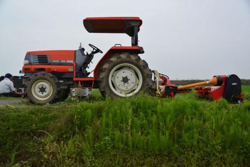 島地区農地水環境保全会のニプロスライドモアTDC1200を使った草刈り。