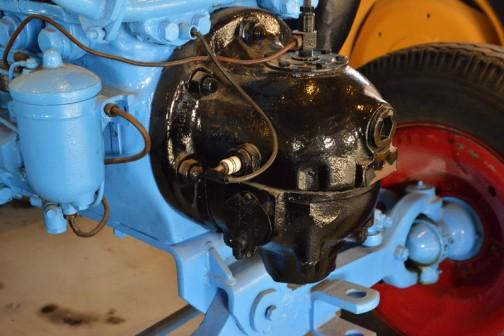 ランツブルドッグトラクタ  1953年(昭和28) ランツ社製 (ドイツ) 単気筒2サイクル焼玉エンジン 自重5tn