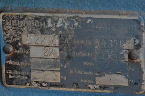 ランツブルドッグトラクタ  1954年(昭和29)ランツ社製(ドイツ) D-2206型 22馬力  1955年(昭和30)本別町 井出正雄 83万円購入 地域ではトラクタが珍しい時代、賃耕に頼まれ昼夜活躍したという。 のちに柴田が入手自家保存のもの。 少数の導入で希少価値の高い一台である。  同型は道内に2台導入された。