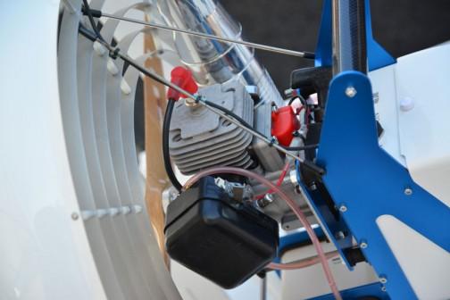 ヤンマー水田防除用ラジコンボート YF-260 メーカー希望小売価格が棒線で消してあって お客様お渡し価格 ¥842,400になっています。メーカー希望小売価格とお客様お渡し価格の違いはよくわかりません。