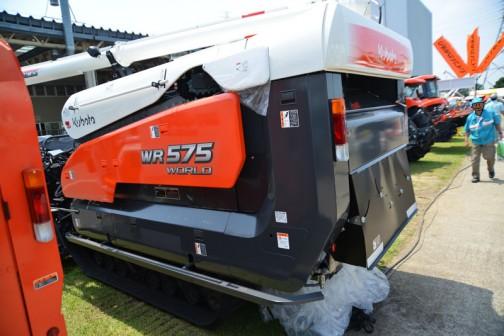 クボタコンバイン エアロスターワールド WR575M-C 価格¥9,536,400 75PS 5条刈 左右モンロー 引起しオープン セラミックカッタ